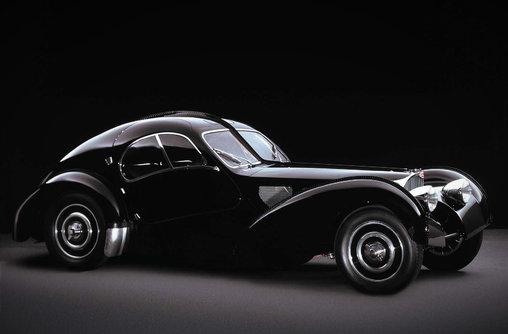 Bugatti 57Sc Atlantic - Lady in Black