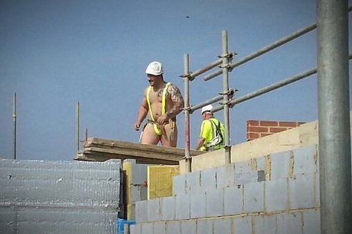 So sieht die neue Berufsbekleidung der Bauarbeiter aus