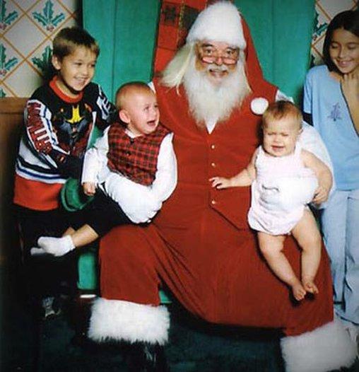 Die größeren Kinder haben es schon verstanden: Der Weihnachtsmann ist cool