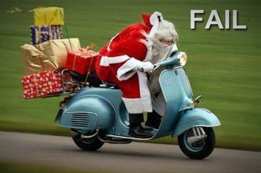 Santa fährt Motorrad