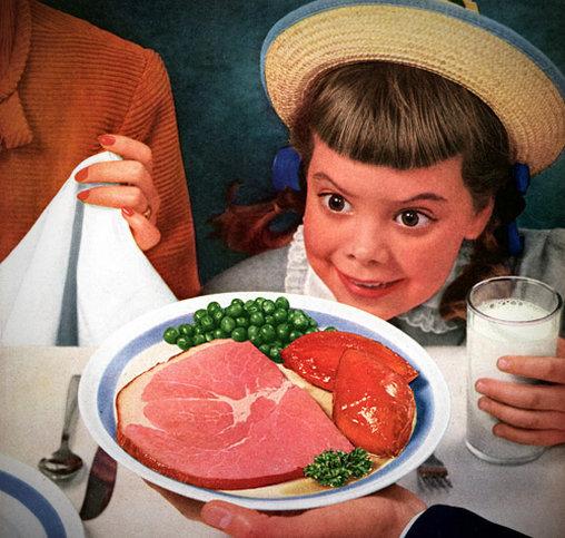 Schräges Kind will Milch