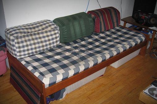 Couch des Grauens