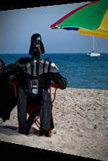 Sonnenschutzfaktor 3000 - Darth Vader am Strand