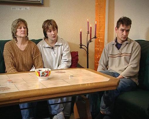 Und noch ein hässlicher Fliesentisch bei RTL