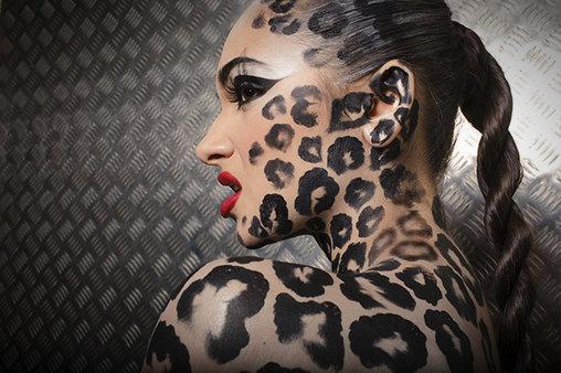 Eine Frau als Leopard