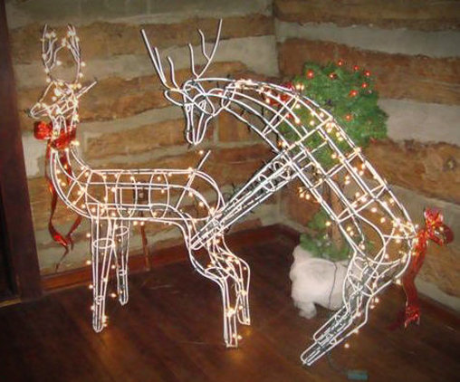 Auch Rentiere wollen ihren Spaß - versaute Weihnachtsdekoration.