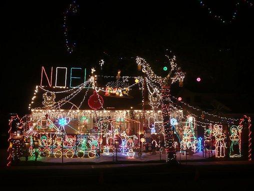 Bei so viel Weihnachtsbeleuchtung sind wir auf die Stromrechnung gespannt.