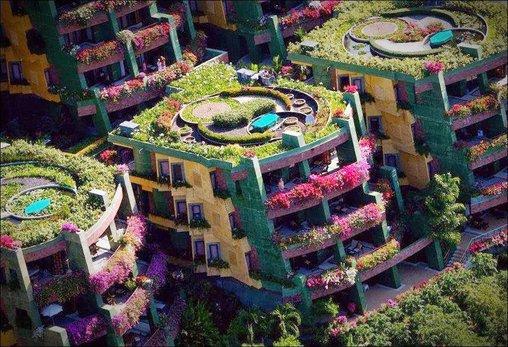 Bepflanzte Häuser in Thailand