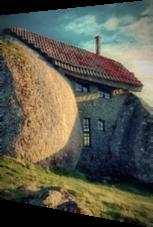 In Stein gebaut