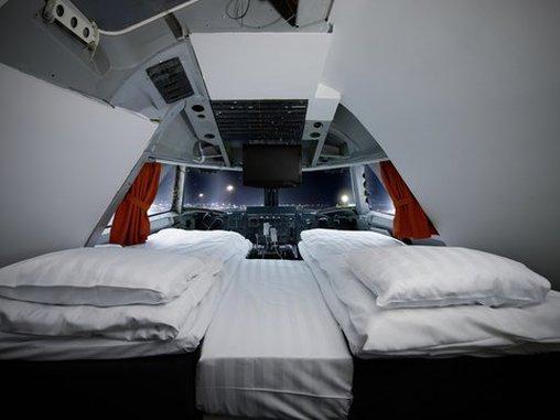 Schlafen an Bord einer ausrangierten Boeing