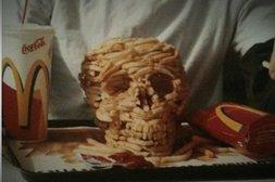Totenschädel aus Pommes frites