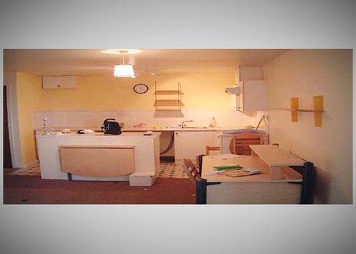 Das Star Trek-Apartment vor seiner Verwandlung - hier die Küche.