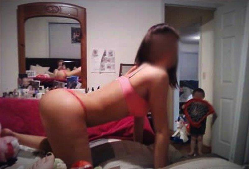 Подборка фото, где родители плохо относятся к своим детям или показывают пл