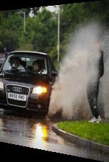 Wichtiger Merksatz: Bei Regen nicht so nahe an die Straße stellen.