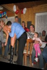 Vater des Jahres 2013: Tochter beim strippen