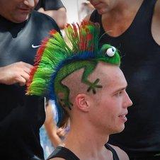 so sehen ungewhnliche frisuren aus bilder videos lolde menschen unglaublich hsslich - Muster In Haare Rasieren