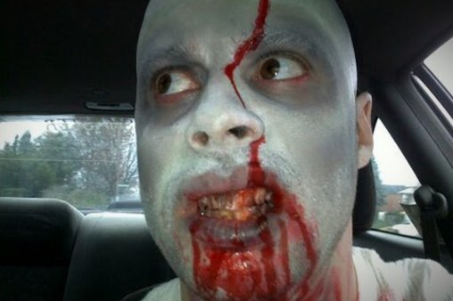 Lustiger Zombie-Streich zu Halloween