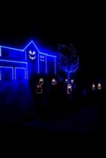 Diese Halloween-Hausbeleuchtung kann einiges