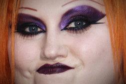Beth Ditto mit seltsamen Augenbrauen