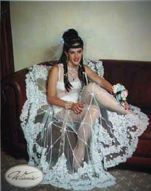 Durchsichtiges Hochzeitskleid