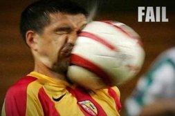 Was ist größer – Fußball oder Gesicht?