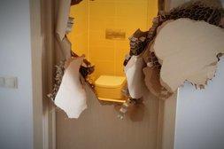 Durchbrochene Badezimmer-Tür in Sotschi