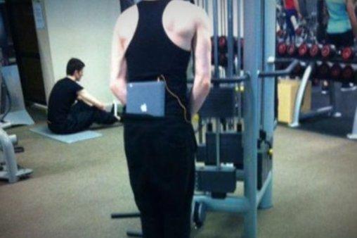 Mit dem Mac im Fitnessraum