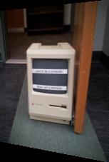Computer als Türstopper